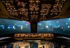 cabina-piloto-mando-control