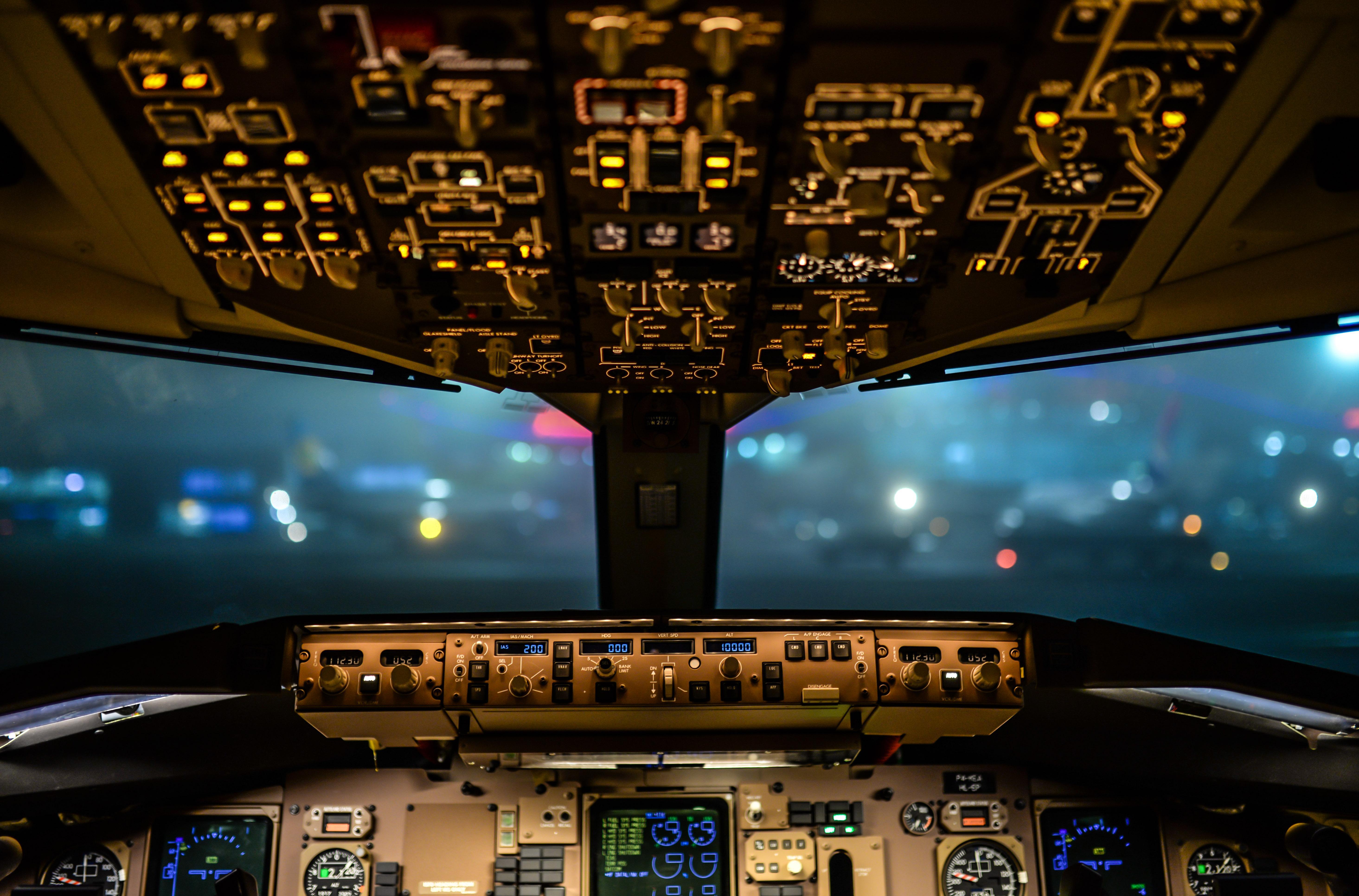 Mujer al timón: para poder pilotar creó su aerolínea