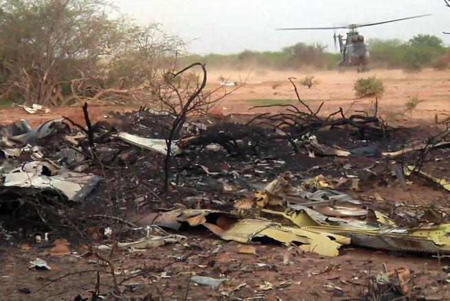 Francia y Argelia rivalizan por liderar investigación del siniestro del Air Algérie