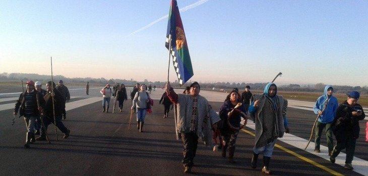 Mapuche se toman losa del nuevo aeropuerto de La Araucanía a días de su puesta en marcha