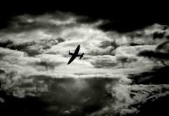 tormenta-negro-nubes-nublado-avioon