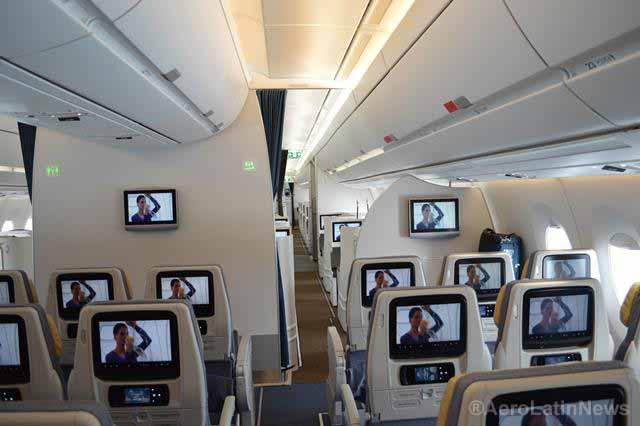 Delta equipa 500 aeronaves con pantallas en el respaldo de cada asiento