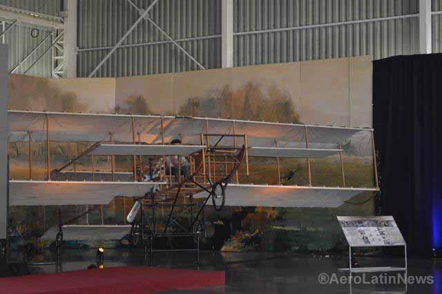 Chile: Así trabajan los restauradores en el Museo Aeronáutico y del Espacio
