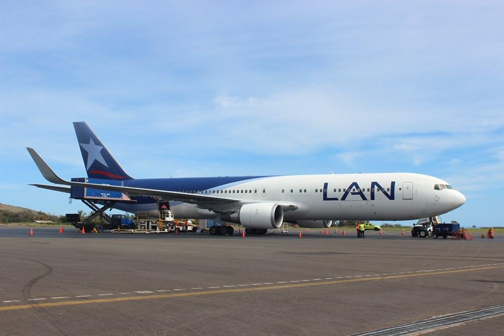 LAN CARGO firma convenio con Isla de Pascua para transportar 24 toneladas de cartón al mes