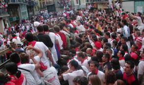 España: Interior duplica el despliegue de seguridad en las zonas turísticas del país