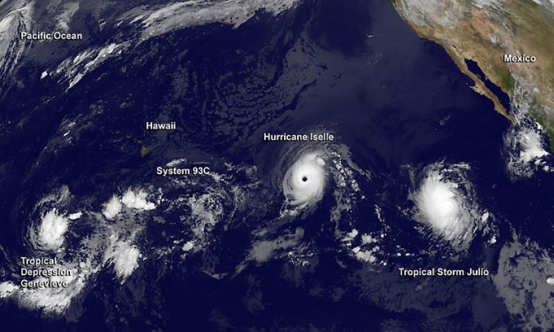 Dos huracanes amenazan Hawaii