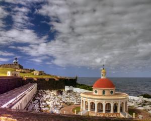 Puerto Rico crea plan para salvar el turismo tras María