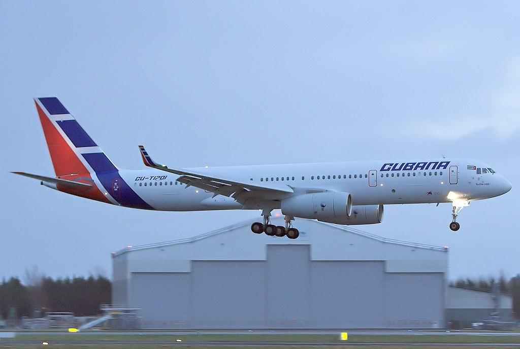 Cubana_TU-204