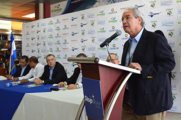 El Ministerio de turismo de El Salvador (MITUR) une esfuerzos para eliminar impuesto a pasajeros en tránsito con el proyecto: El Salvador Stop Over