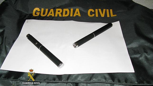 Deslumbraban con punteros láser a pilotos de aviones junto al aeropuerto de Sevilla