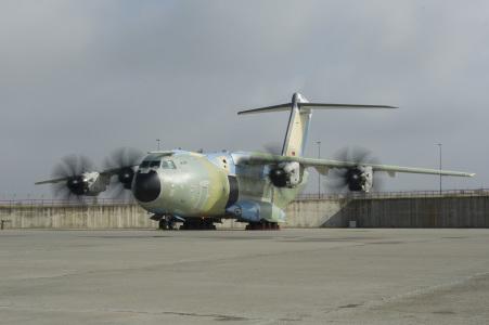 El primer Airbus A400M para Alemania enciende sus motores