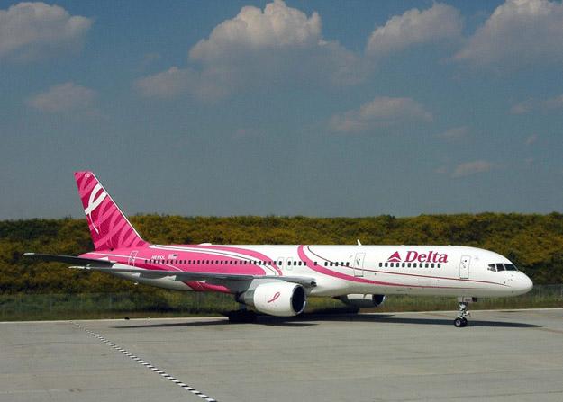 Delta Airlines comprometida con la lucha contra el cáncer de mamas