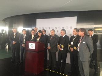 Exhortan senadores a SCT a reconsiderar liberalización aérea