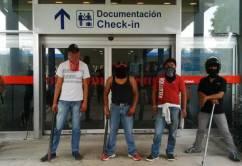 Manifestantes+por+desaparecidos+en+México+bloquean+aeropuerto+de+Acapulco