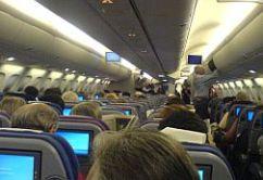 Vuelo lleno asientos pasajeros