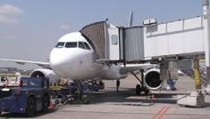 México: Castigo a aerolíneas que retrasen vuelos o sobrevendan boletos, demanda PRI