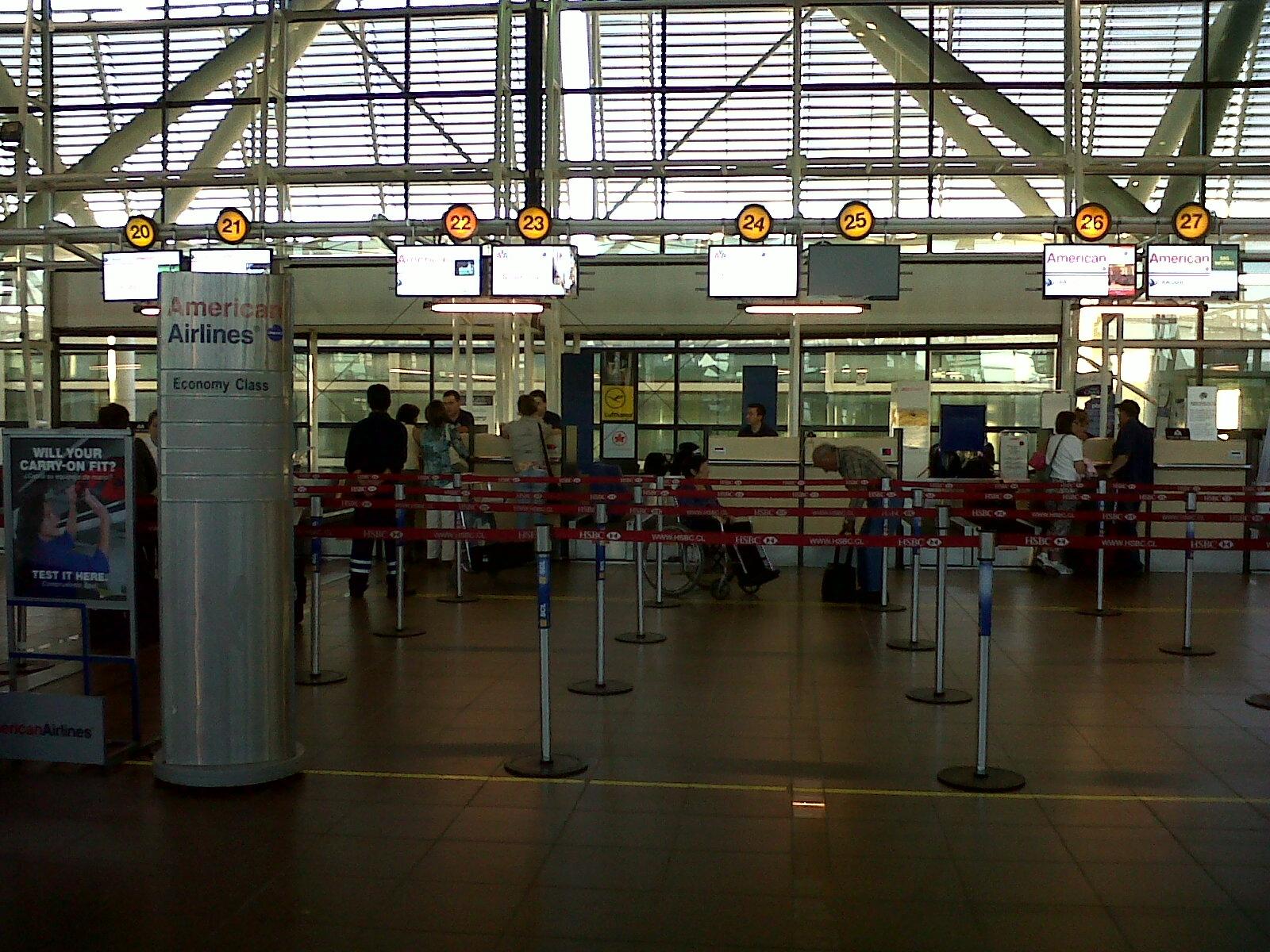 Gremio aéreo elige terminal de Santiago para estudiar falencias de concesión y mejorar privatizaciones