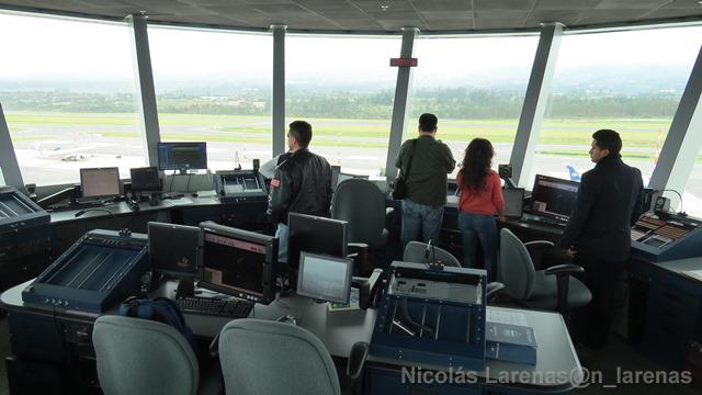 Déficit de 500 controladores en la navegación aérea española