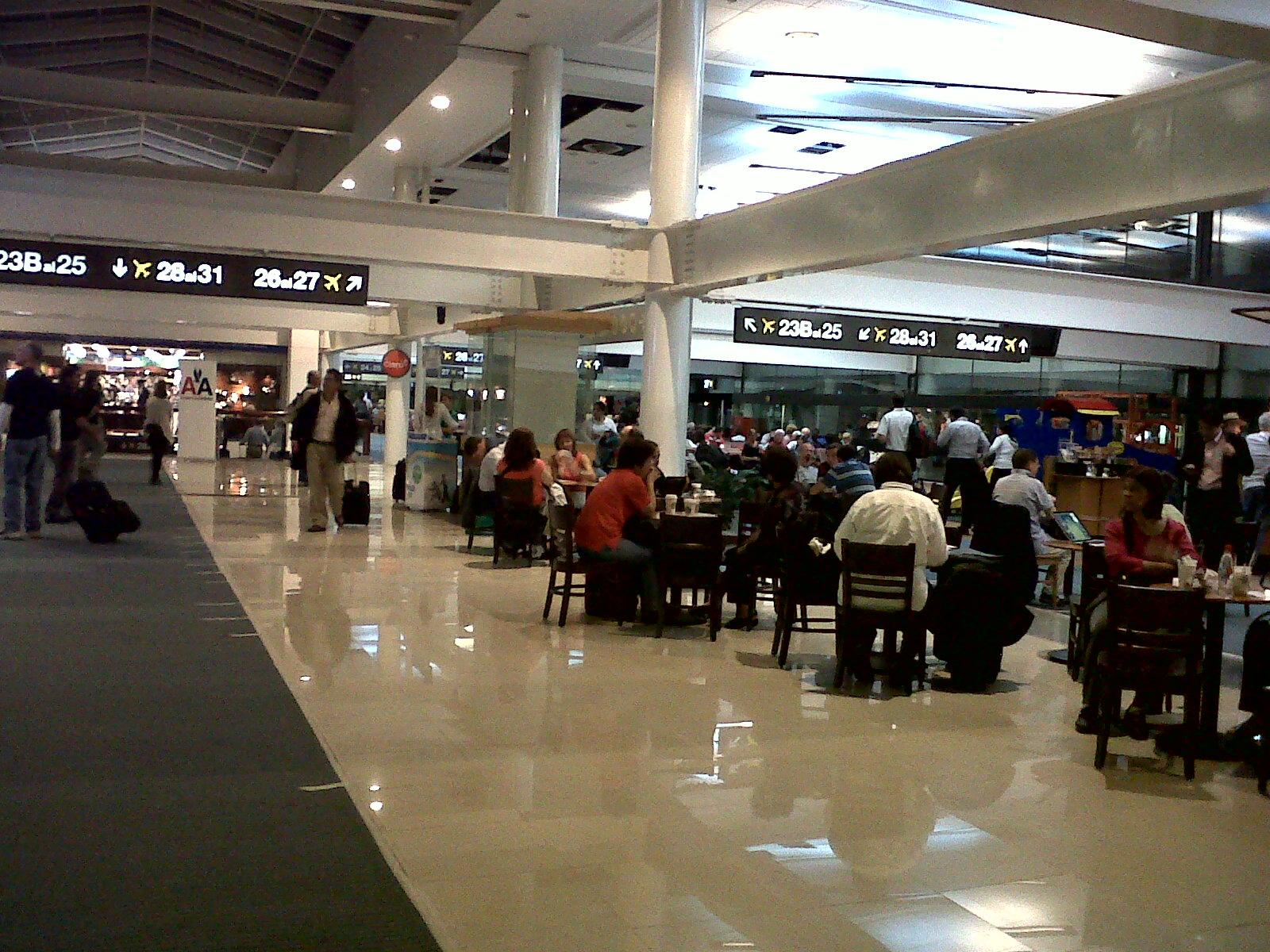 Chile: Nuevo Pudahuel inaugura servicio de WiFi gratis e ilimitado en el aeropuerto Arturo Merino Benítez