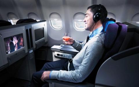 Diez advertencias sobre ver películas en el avión