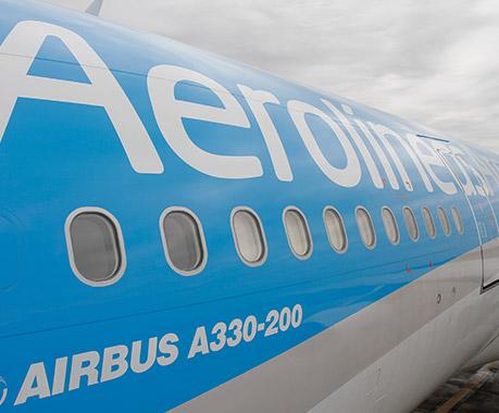 Argentina: Aerolíneas y las agencias de viajes se pelean por varios millones de dólares