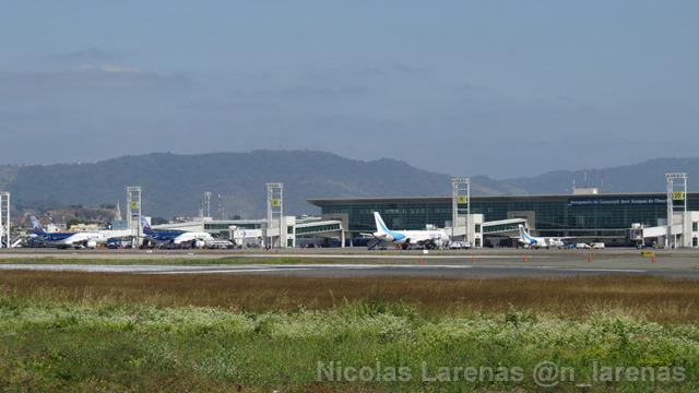 De la pista del aeropuerto de Guayaquil se mueven más de 3,7 millones de historias viajeras