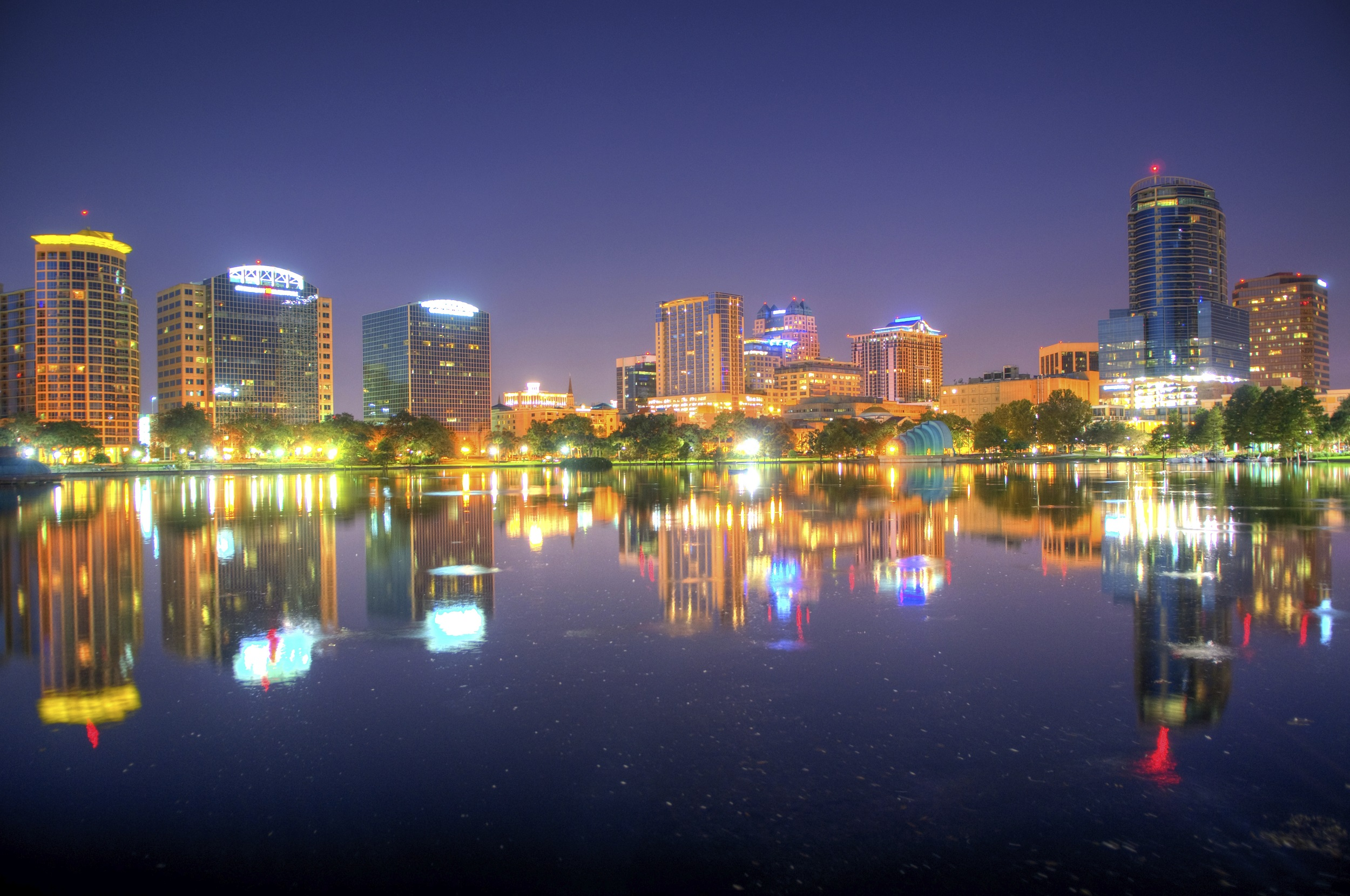 Juarez Neto abre loja da Azul Viagens em Orlando