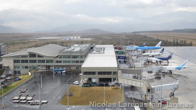 Aeropuertos de Quito y Guayaquil reciben reconocimientos por calidad