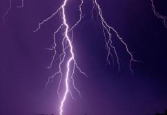 Rayo  tormenta clima