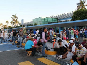 bloqueo acapulco aeropuerto
