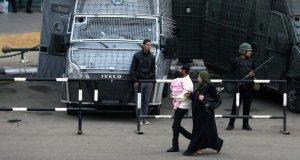La policía egipcia halla dos bombas en el aeropuerto de El Cairo