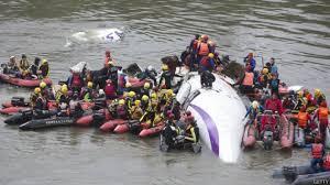 Fallaron ambos motores del avión que se hundió en Taiwán