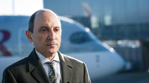 El presidente de Qatar Airways se disculpa por asegurar que la aerolínea no podría estar dirigida por mujeres