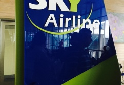 Sky Airlines logo embarque