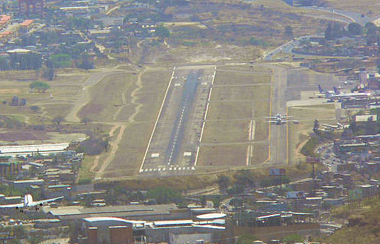 Honduras: Aerolíneas internacionales reacias a aterrizar en Toncontín