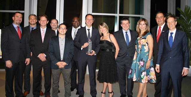 IATA recibe el Beacon Council Award por su contribución en Viajes y Turismo de Miami