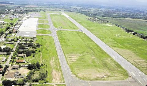 España ratifica apoyo para aeropuerto en Palmerola