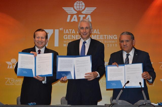 AGM 2015: IATA y Gobierno Mexicano firman MOU para apoyar futuro del AICM