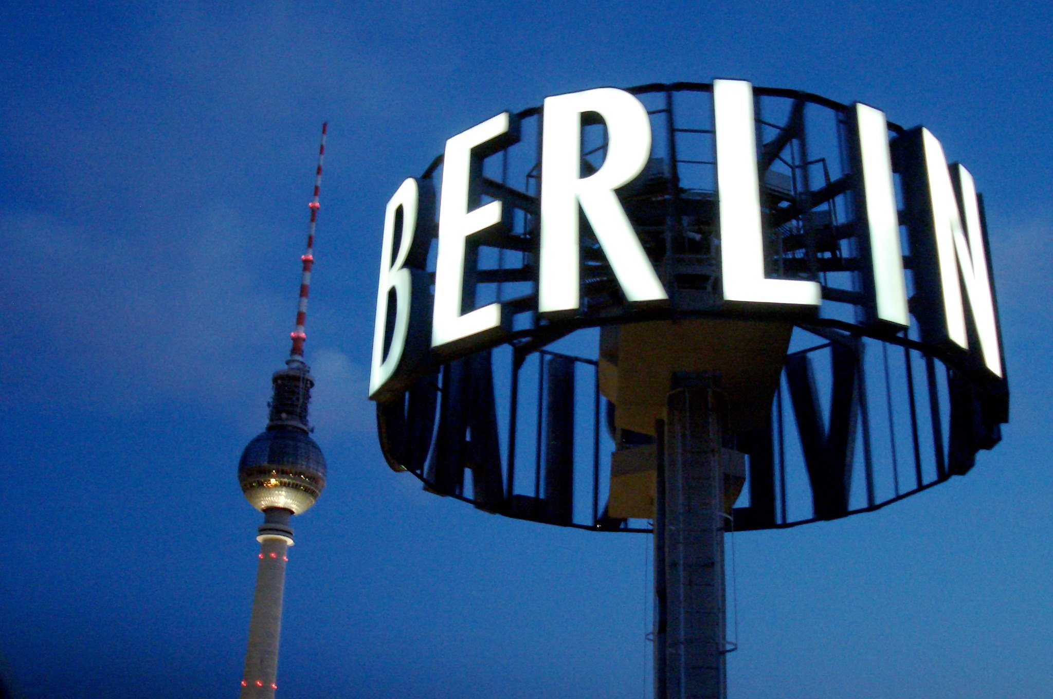 Suspendidas las obras del malogrado y futuro aeropuerto de Berlín