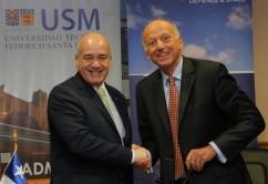 Darcy Fuenzalida, Rector de la USM y Francois Auque, Director de Space Systems