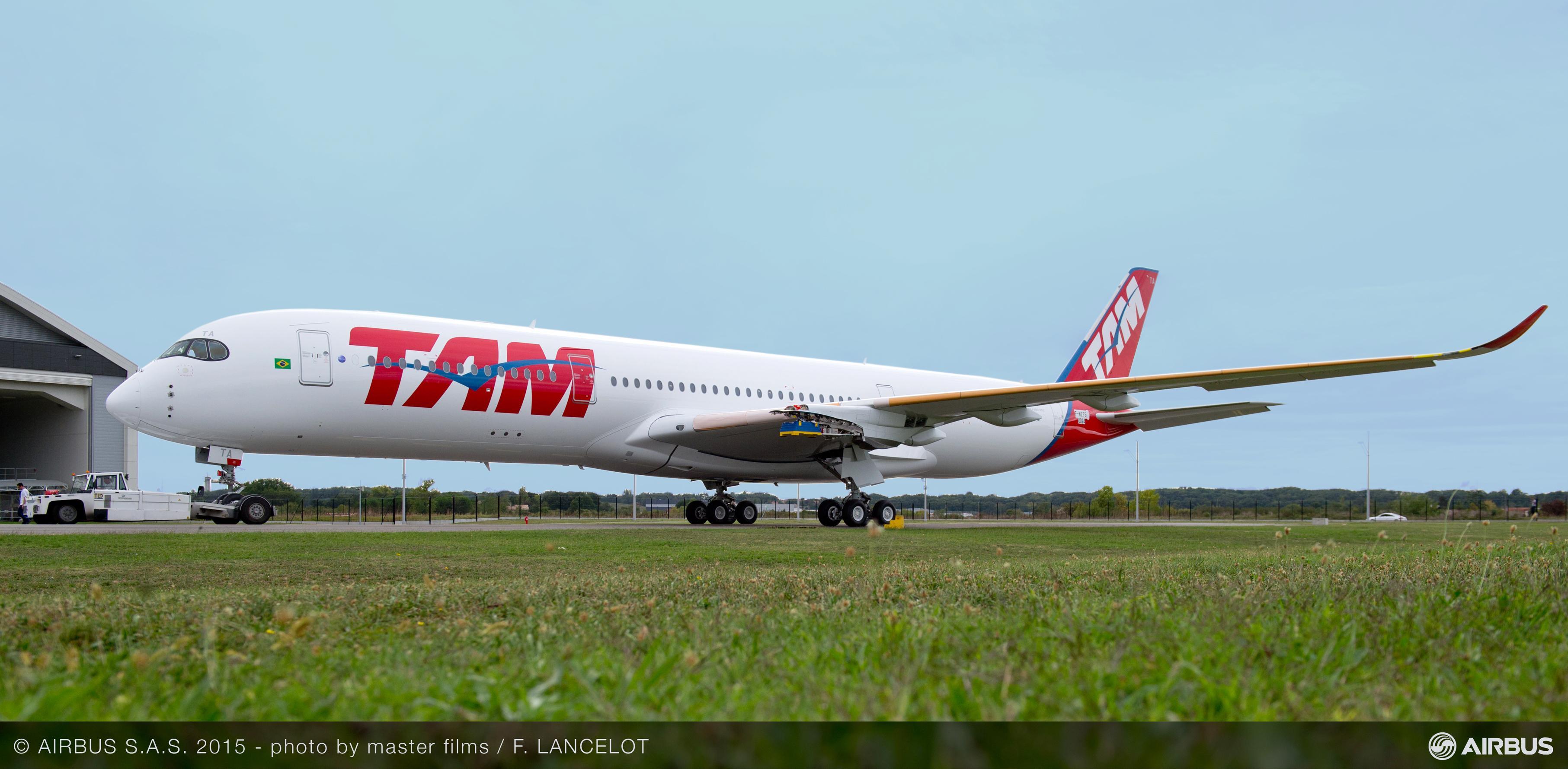 TAM Airlines presenta su primer A350 XWB
