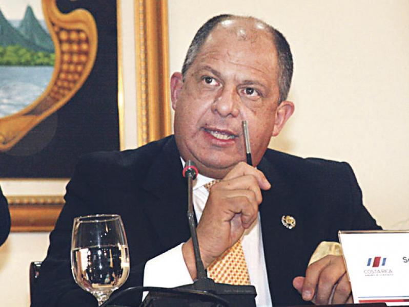 Costa Rica: Presidente promete aeropuerto internacional en Limón