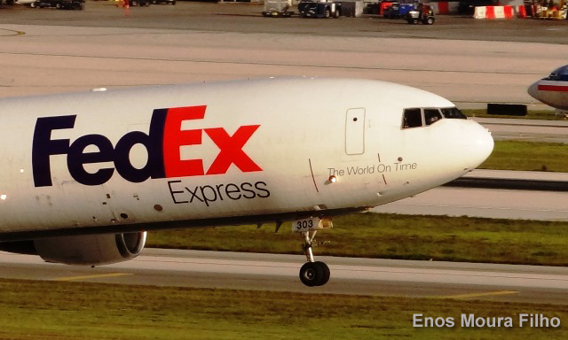 FedEx anticipa otro récord de envíos para la temporada navideña