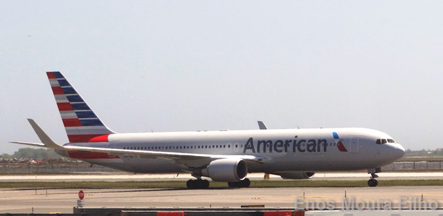 American Airlines cancels 2,000 flights out of Florida hubs ahead of Hurricane Irma