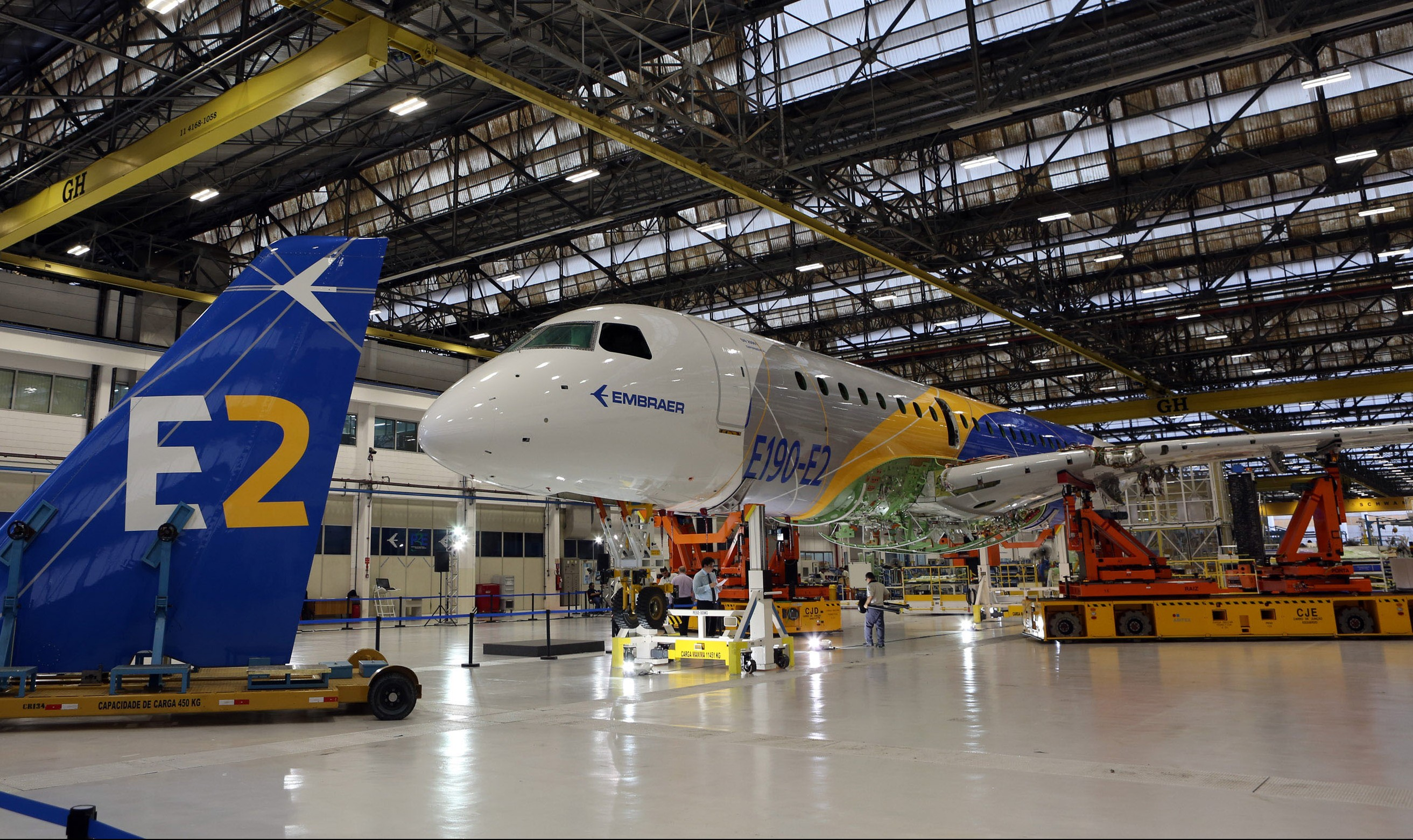 Embraer E190-E2 Wins Certification from Three Authorities