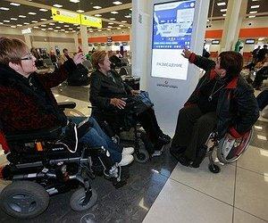 Atletas paralímpicos aprovam atendimento no Galeão (RJ)