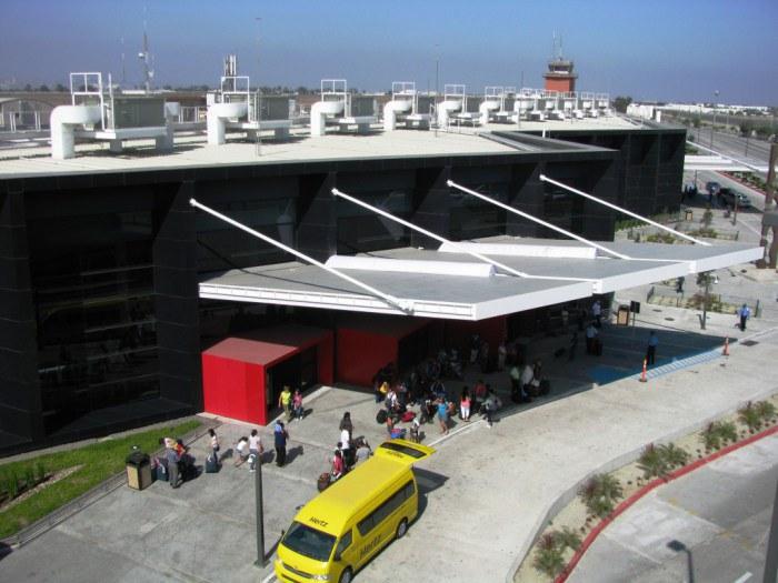 300 mil han usado puente binacional del aeropuerto