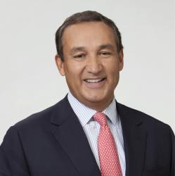 Director ejecutivo de United Airlines recibe trasplante