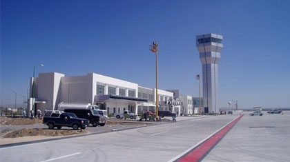 México: Analizan posibilidades de puente aéreo Laredo-Querétaro