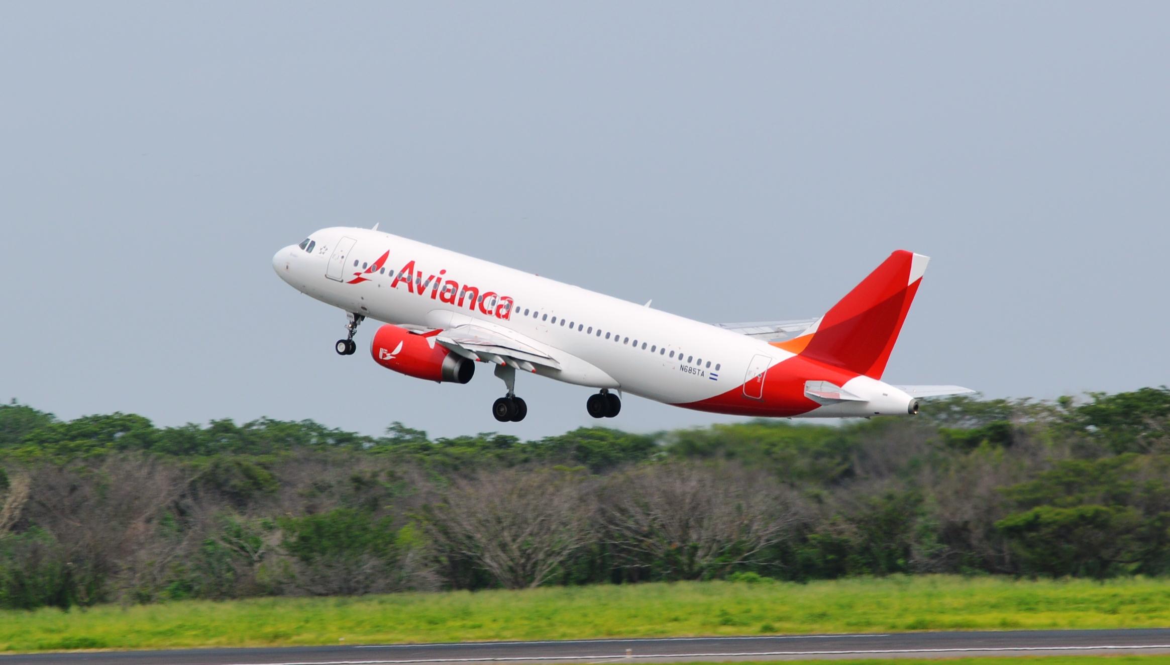 """Avianca reorganiza sus vuelos Manizales """""""" Bogotá"""